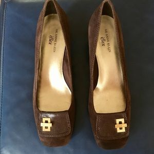 AK Anne Klein iflex shoes with small heel